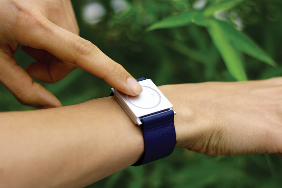 Wristband devices detect dangerous seizures in patients with epilepsy